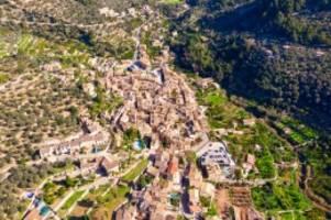 Urlaub: Mallorca: Deutscher Tourist stirbt nach Sturz vom Dach