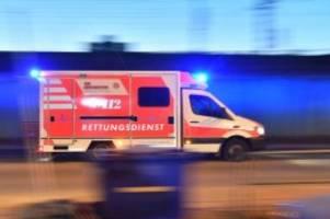 unfälle: 43-jähriger und baby sterben nach frontalzusammenstoß