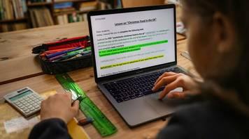 Corona-Pandemie: Studie: Distanzunterricht unergiebig – Spahn erhält Kritik für Aussagen zum Wechselunterricht