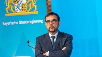 Minister droht Proficlubs bei Scheitern von Zuschauer-Modell