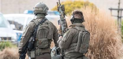 rechtsextreme chatgruppe in hessen: manche polizisten distanzierten sich