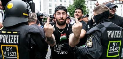 bei der deutschen hymne wenden sich ungarns fans ab