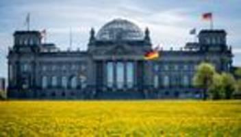 Erderwärmung: Bundestag beschließt neues Klimaschutzgesetz