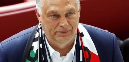 Ungarn: Viktor Orbán instrumentalisiert das Anti-LGBTQ-Gesetz, um sich gegen Europa zu positionieren