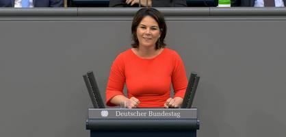 """""""läppische ein prozent aus dem recovery fund gehen in deutschland in den klimaschutz"""""""