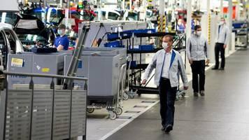 Mögliche Continental-Beteiligung: Bericht: Ermittler durchsuchen in Dieselskandal VW und Dienstleister IAV