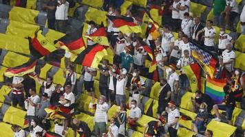 Partien in München: Zwölf Positiv-Tests von Fußballfans bei drei EM-Spielen