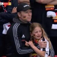 nach em-niederlage - fußball-fan aus wales sammelt für weinendes deutsches fan-mädchen tausende euro