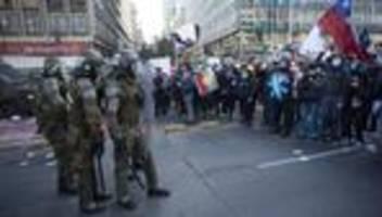 chile: proteste verzögern beginn der verfassungsausarbeitung