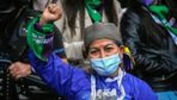 chile: verfassungskonvent wählt indigene präsidentin