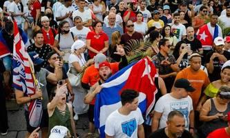 nieder mit der diktatur: proteste gegen regierung in kuba