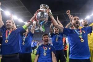 em 2021: fünf italiener in der topelf der em – aber ronaldo fehlt