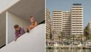 mallorca: husten vorm balkon