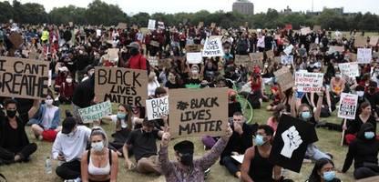 england und wales: rassistisch motivierte straftaten erreichen rekordwert
