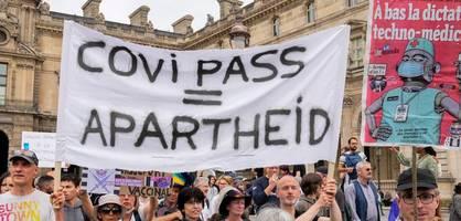 """""""nein zum nazi-pass"""""""