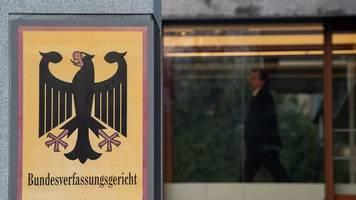 Karlsruhe prüft AfD-Klagen wegen Merkel-Äußerungen