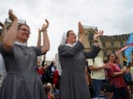 Christen in Deutschland: Mit dem Kirchen-Checker aus der Krise