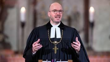 brief vom bischof: nachwuchswerbung für die kirche per post