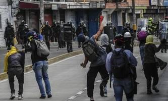 Tausende Kolumbianer protestieren erneut gegen die Regierung