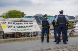 Demonstrationen: Robin Wood startet Floßtour für Energiewende