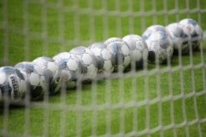 Fußball: Kracher: Braunschweig startet in Kaiserslautern