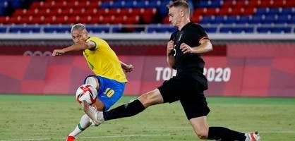 Deutschlands Fußballer mit Auftaktpleite gegen Brasilien