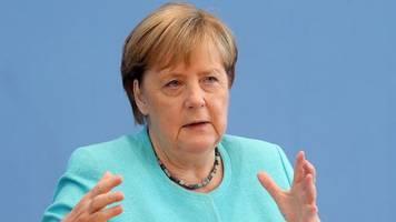 Bundeskanzlerin: Merkel mahnt Bevölkerung weiter zur Vorsicht in der Pandemie