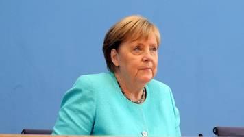 Merkels letzte Sommerpressekonferenz: Bis August nicht für jeden Impfangebot