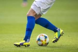 Fußball: Werder empfängt Hannover: Nordduell vor 14.000 Fans