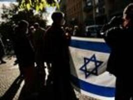 bündnis demonstriert gegen antisemitische gewalt