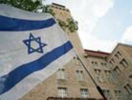 300 menschen demonstrieren in neukölln gegen antisemitismus