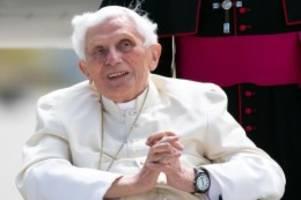 Emeritierter Papst: Benedikt XVI. geht mit kirchlichen Amtsträgern ins Gericht