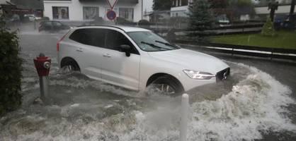 Starkregen und Überschwemmungen – Unwetter sorgt wieder für Chaos