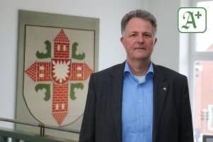 "Kreis Segeberg: Landrat Peter Schröder: ""Die Politik ist gefordert"""