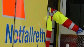 Radfahrer bei Zusammenstoß mit Auto schwer verletzt