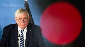 Laumann erwartet Corona-Impfung von Pflege- und Lehrpersonal