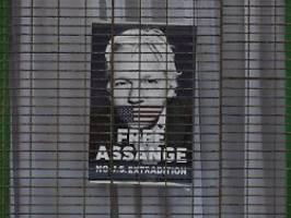 inhaftierter wikileaks-gründer: gericht entzieht assange staatsbürgerschaft
