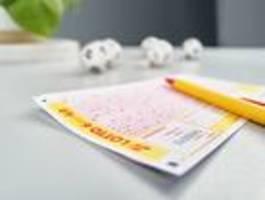 Frau gewinnt fast 33 Millionen Euro im Lotto – und merkt es erst nicht