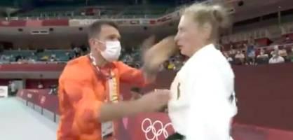 Ohrfeigen vom Trainer – Bilder der deutschen Judoka gehen um die Welt