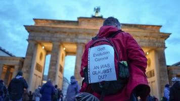 Corona-Proteste: Berlin verbietet Querdenken-Demonstrationen am Wochenende