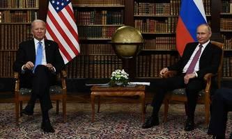 us-präsident wirft russland einmischung in wahlen 2022 vor
