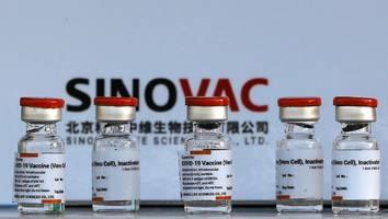 sinovac macht sorgen  - hundert millionen menschen betroffen: chinas corona-impfstoff wirkt wohl nur wenige monate