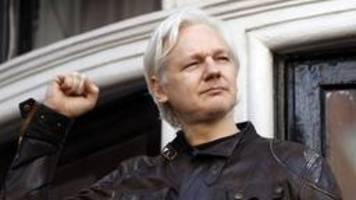 gericht entzieht assange ecuadorianische staatsbürgerschaft