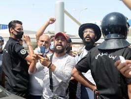 Weitere Entlassungen: Machtkampf in Tunesien verschärft sich