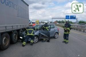 Verkehr in Hamburg: Baustelle und Unfall: Staus auf der A7