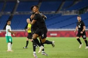 Der FCA profitiert vom Olympia-Aus für Felix Uduokhai