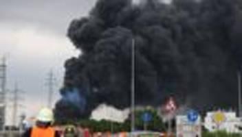 Chempark Leverkusen: Umweltamt findet nach Explosion kein Dioxin in Rußpartikeln