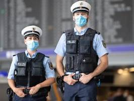 bundespolizei zieht bilanz: 180.000 verstöße gegen corona-regeln