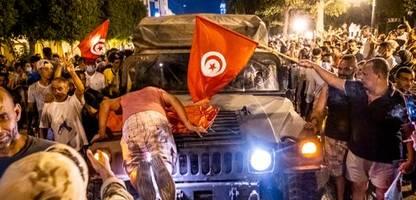 Tunesien: Was steckt hinter dem Staatsstreich? - Podcast