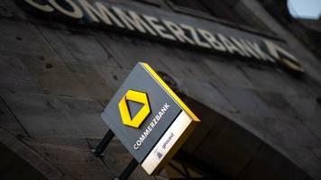 """commerzbank schafft 500 it-stellen in osteuropa: """"ich frage mich, ob künftig stille post nach bulgarien gespielt wird"""""""